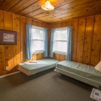 159 Bedroom 2 - 2 Singles